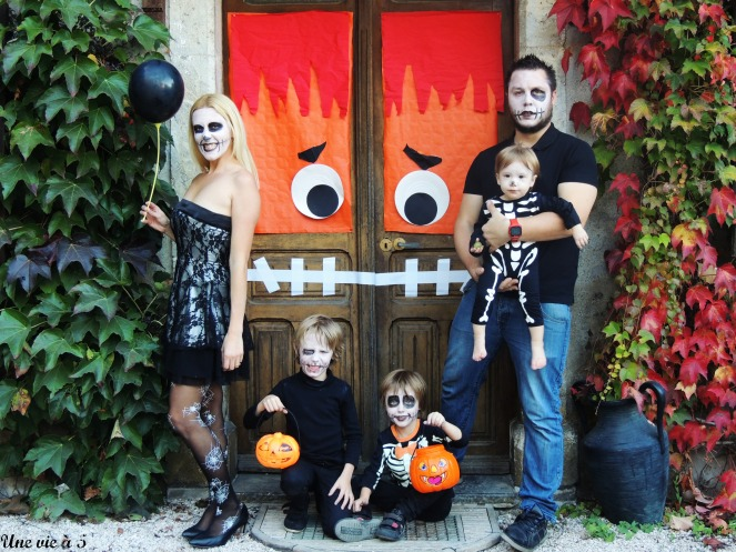 halloweenfamily 2.jpg